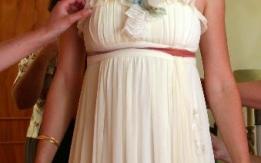 Αέρινο νυφικό γνωστής σχεδιάστριας φορεμένο 1 φορά!
