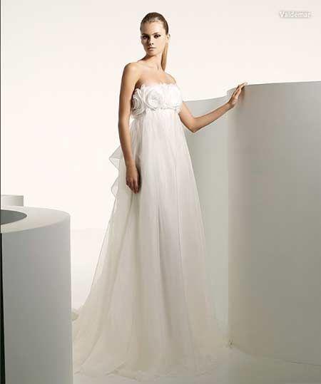 52c1c6dee935 Married.gr Νυφικά - MANUEL MOTA PRONOVIAS - SUMMER COLLECTION 2009
